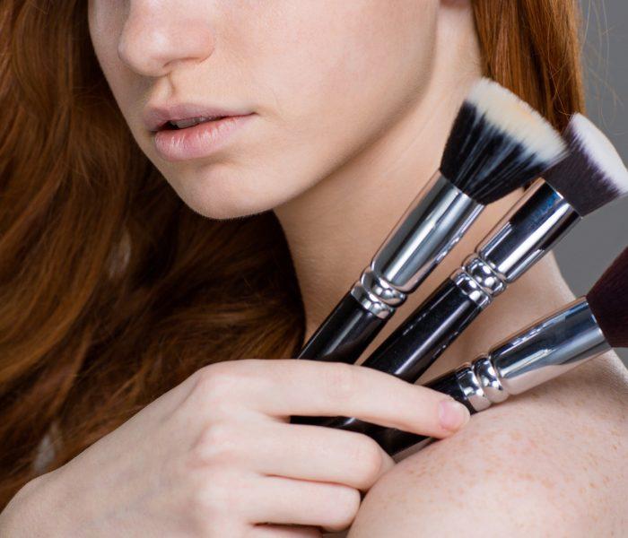 Wie sollten Sie für Ihre Make-up Pinsel sorgen? – ein kurzer Leitfaden.